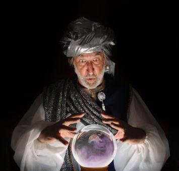 فرق دعانویسی با سحر و جادوگری,باز کردن سرکتاب و طالع بینی و فال گیری کار رمالان و ساحران