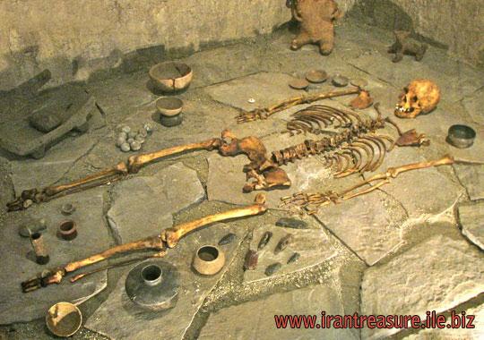 آموزش روش های صحیح حفاری قبر گبری,گورستان و قبرهای گبری دسته جمعی آلوده به ویروس مرگبار
