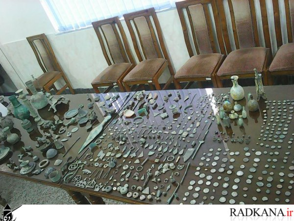 عکس عتیقه های زیرخاکی,اشیای عتیقه پیدا شده,تصاویر عتیقه های طلا و نقره کشف شده