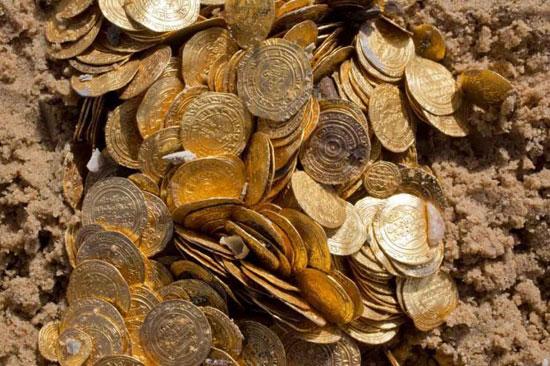 تلاش برای پیدا کردن گنج و دفینه های گمشده اسرار و رازهای مرموز باستانی و ثروتهای عظیم پادشاهان
