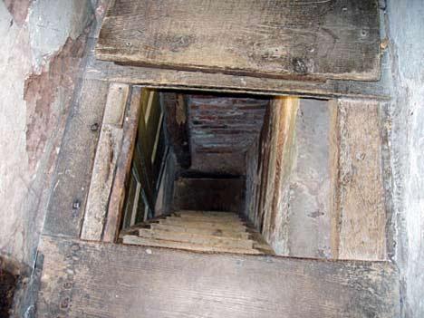 طلسمات و تله های اهرام فراعنه مصر باستان انواع تله در مقبره های اهرام مصر