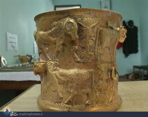 کشف اشیای زیرخاکی و عتیقه زرین انواع سفالینه،ابزارآلات جنگی،زیورآلات زنانه،انواع ظروف و مهر از جنس طلا،نقره و مفرغ مربوط به عصر آهن