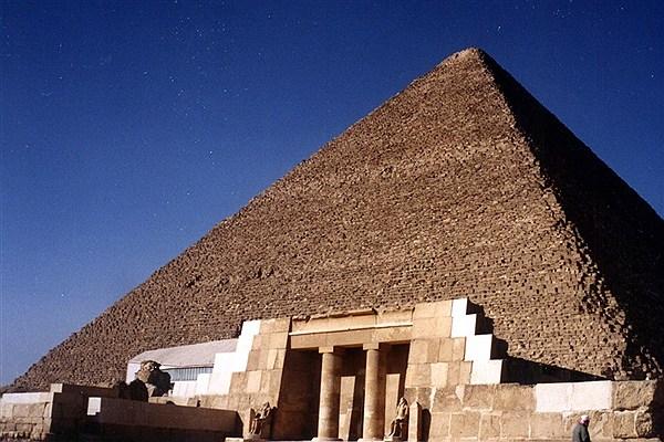 تلاش برای پی بردن به  اسرار  اهرام مصر با اشعه کیهانی
