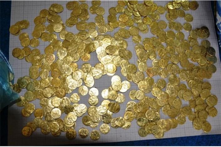 فروش سکه های  تقلبی و جعلی توسط شیادان و کلاهبرداران