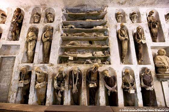 آشنایی با اجساد مومیایی شده عجیب که توسط باستان شناسان کشف شده است