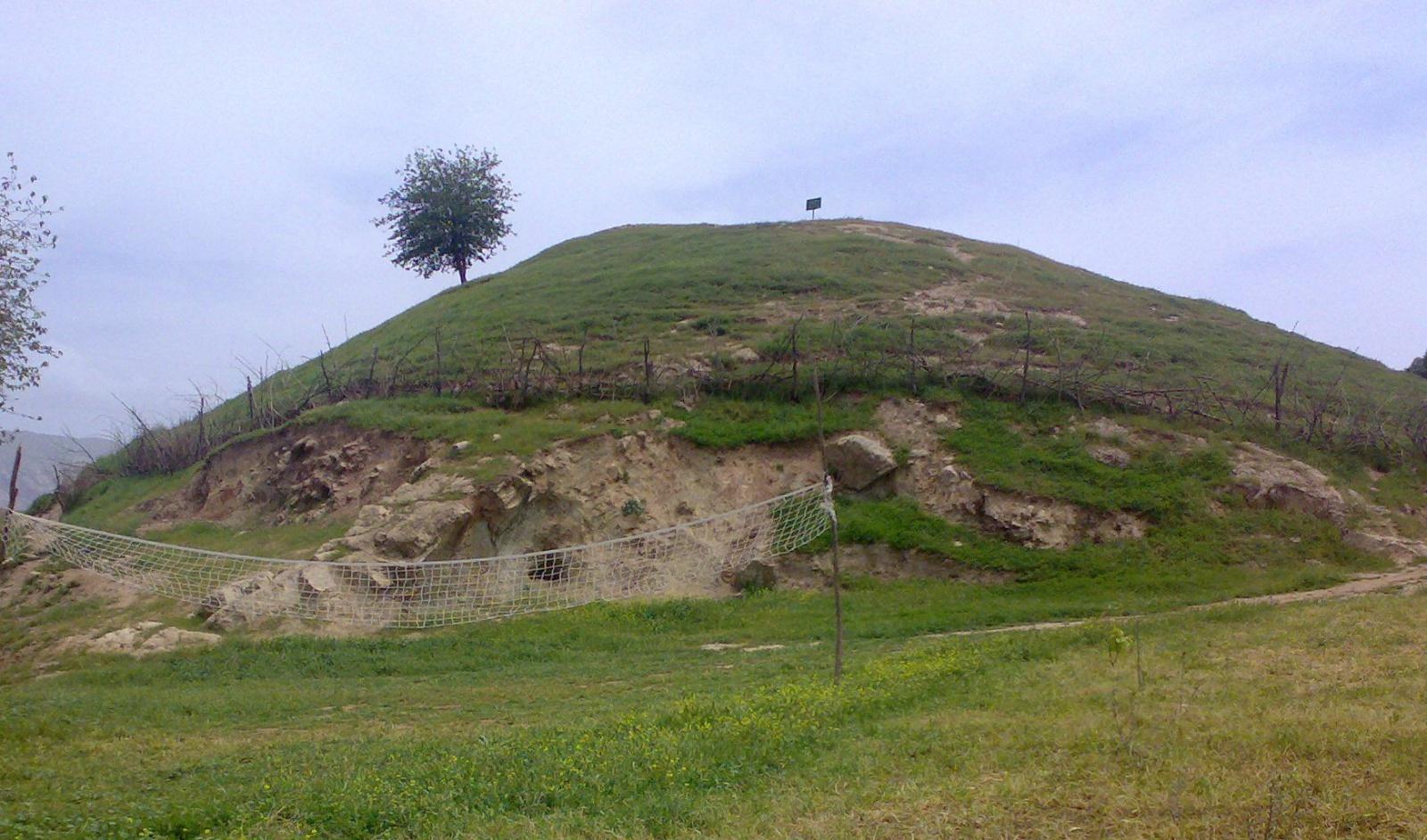 تپه های باستانی چگونه به وجود آمده اند؟ نحوه تشکیل تپه های باستانی