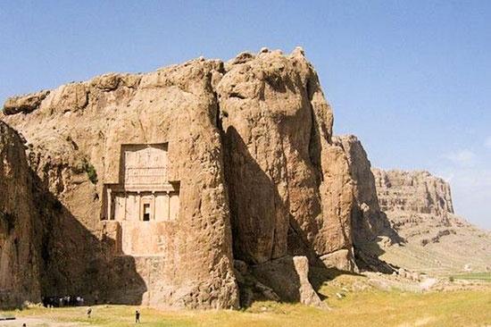 تصاویر و عکسهای دیدنی از قبرستان و آرامگاه های تاریخی در ایران