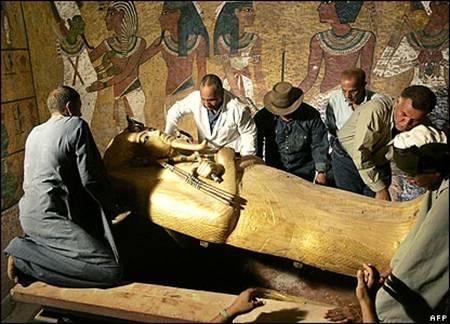 نفرین و طلسمات کاهنان دربار فراعنه در تمدن مصر باستان