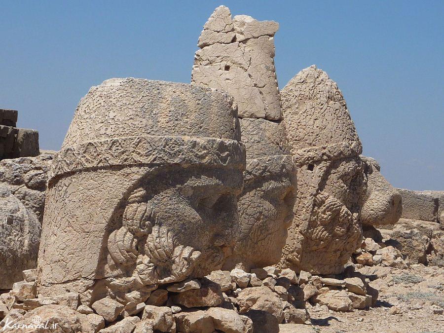 نمرود و فرعون با کمک جنها (اجنه) از تولد حضرت ابراهیم و موسی (ع) باخبر میشدند