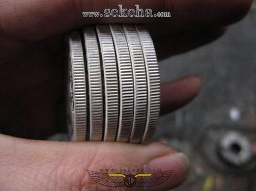 سکه های یک دلاری تقلبی