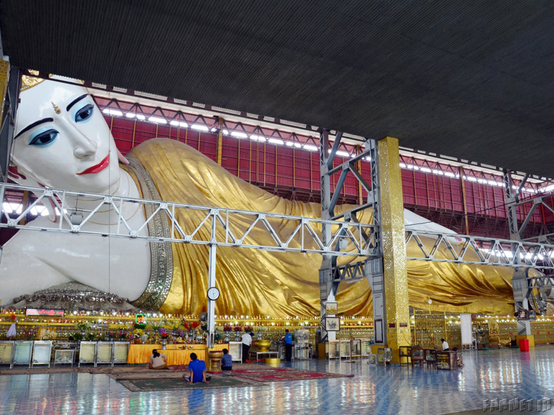 the-chaukhtatgyi-buddha-is-a-giant-reclining-buddha-housed-in-yangon-myanmar-the-statue-is-a-stunning-work-of-art-from-its-golden-robe-to-its-diamond-encrusted-crown