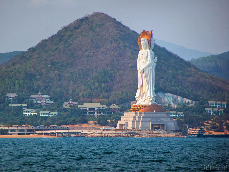 the-guan-yin-statue-in-hainan-china-has-three-sides-with-different-poses-one-side-faces-inland-and-the-other-two-face-the-south-china-sea-the-stunning-statue-stands-354-feet-high