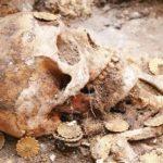 آیین تدفين اموات و مردگان در دین زرتشتی – تدفين در دوران ساسانیان و استودانهای سنگی کازرون