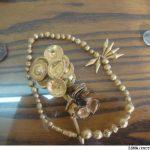 کشف اشیای عتیقه دوران ساسانی شمشير، سرنيزه، انواع ظروف و مجسمه و ۶۷ قطعه نيز سکه های طلا و قديمی دوران ساسانی