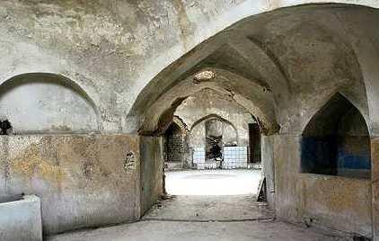 کشف راز گرم شدن حمام تاریخی شیخ بهایی با یک شمع که همیشه روشن بوده