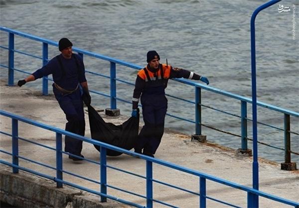 سقوط هواپیمای نظامی روسیه با 93 سرنشین در دریای سیاه/ رد شایعه حمله تروریستی به هواپیما/ چهار جسد پیدا شد