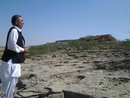 عکسهای قبرستان جنها در ایران - گورستانی اسرارآمیز و مرموز در روستای باستانی تیس