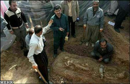 تصاویر و عکسهای کشف جسد مومیایی شده پادشاه ایرانی در گورستان تاریخی حسن آباد کردستان - فاش شدن راز مومیایی تقلبی