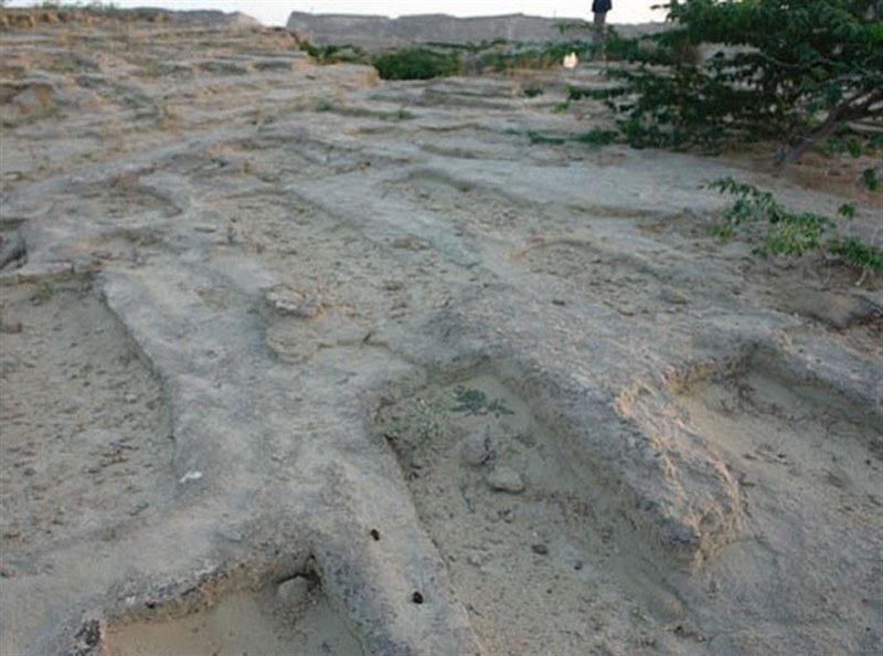 عکسهای قبرستان جنها در ایران – گورستانی اسرارآمیز و مرموز در روستای باستانی تیس