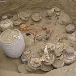 آشنایی با قبرهای گبری,علامت قبرهای گبری دارای عتیقه,نشانه های قبرستان گبری در دفینه یابی