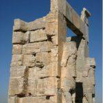 دستکاری و فریب برای جعلی خواندن بنای باستانی تخت جمشید توسط دانشمندان غربی