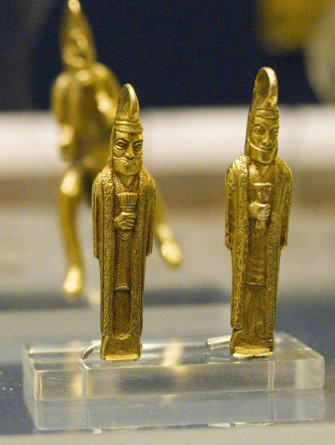 اشیای باستانی گنجينه آمودريا شامل ۱۷۰ تکه طلا و نقره متعلق به دوران هخامنشیان,گنج دفینه زیرخاکی سکه های عتیقه هخامنشیان