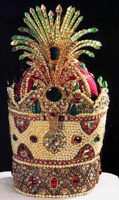 تصاویر و عکسهای گنجینه جواهرات و عتیقه های گرانبهای طلای ایران باستان