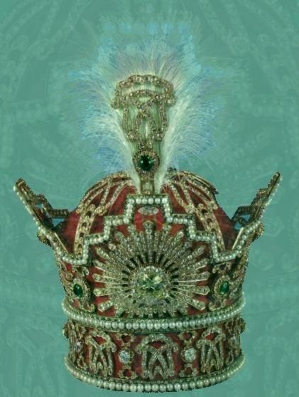 جواهرات سلطنتی پادشاهان ایرانی که در موزه ملی جواهرات ایران نگهداری میشود