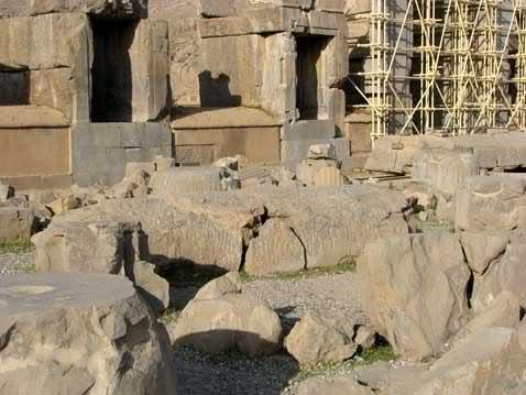 آیا بنای تاریخی تخت جمشید و پرسپولیس یک سازه نیمه کاره بوده است؟