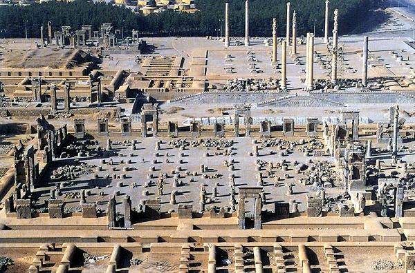 تصاویر و عکسهای آثار تاریخی و باستانی تخت جمشید در نزدیکی شهر مرودشت,سازه و بنای شهر شهر باستانی تخت جمشید ساخته شده توسط هخامنشیان