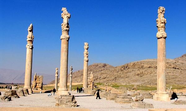 تصاویر و عکسهای آثار تاریخی و باستانی تخت جمشید در نزدیکی شهر مرودشت