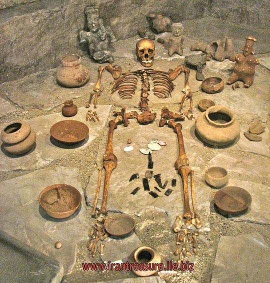 قبرهای گبری,علامت قبرهای گبری دارای عتیقه,نشانه های قبرستان گبری در دفینه یابی