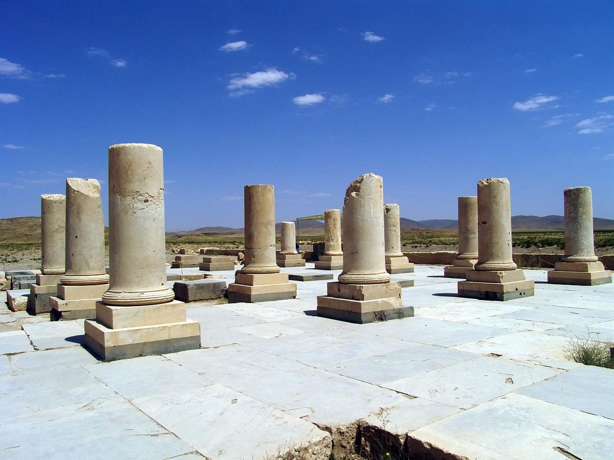 عکسهای کاخ اختصاصی کوروش هخامنشی در پاسارگاد شیراز آرامگاه کوروش بزرگ باغ پادشاهی پاسارگاد
