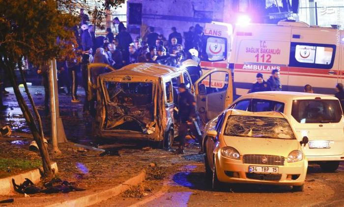 تصاویر و عکسهای انفجار مرگبار تروریستی خودروی بمب گذاری شده در حوالی ورزشگاه باشگاه فوتبال بشیکتاش استانبول در ترکیه
