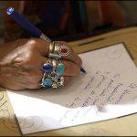 گزارشی از دفتر کار یک دعانویس زن که برای باطل کردن سحر جادو و طلسم از مردم پول میگیرد