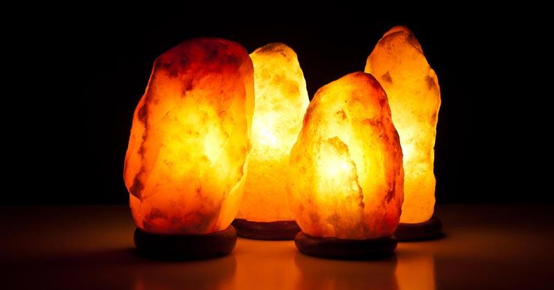 لامپ سنگ نمک چیست؟خواص درمانی چراغ های سنگ نمک و فواید لامپ نمک