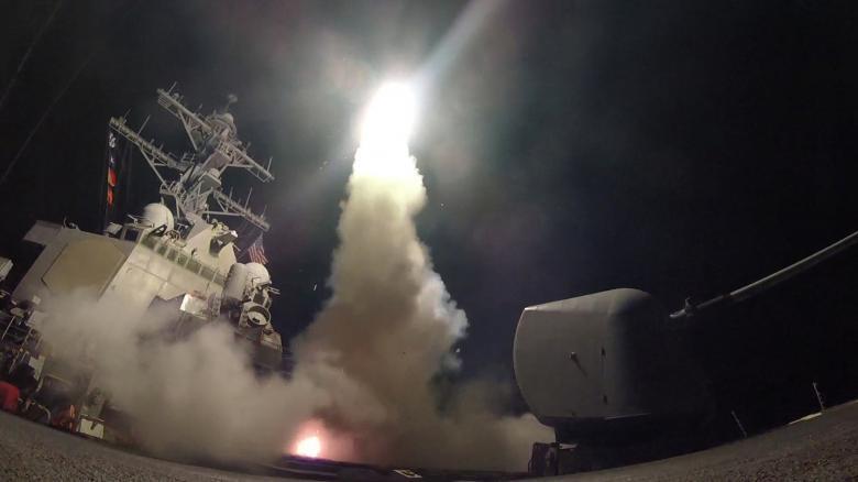 خبرهای جدید از حمله موشکی آمریکا به پایگاه هوایی ارتش سوریه به بهانه حمله شیمیایی