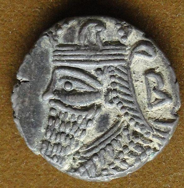 عکس سکه های دوران پادشاهی اشکانیان و جنس و نقوش سکه های اشکانی