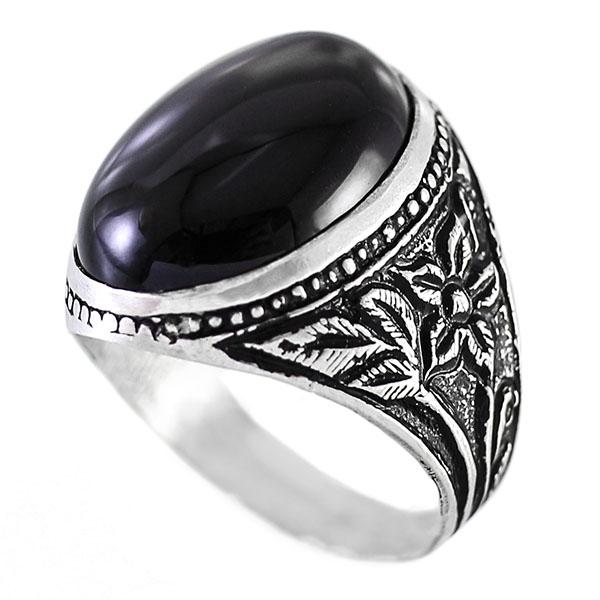 تعبیر خواب انگشتر عقیق نگین سیاه,دیدن انگشتر عقیق سیاه در خواب چه تعبیری دارد ؟