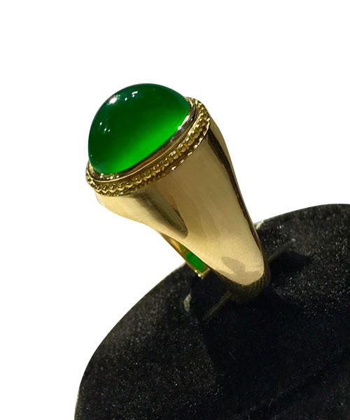 عکس انگشتر عقیق با نگین سبز بسیار زیبا کهنه طوق دار و خوش دست
