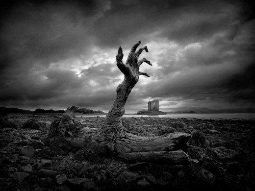 قبض روح آدمی چگونه است ؟ چه اتفاقاتی در هنگام قبض روح می افتد ؟