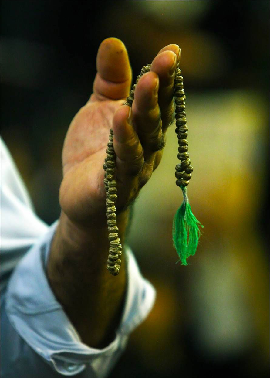 پیامهای آموزنده از نحوه دعا کردن حضرت یوسف (ع)