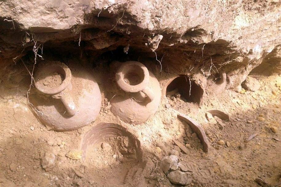 کارشناسی علائم کوزه های خالی در گنج یابی - رمزگشایی نشانه های کوزه خاکی در باستان شناسی
